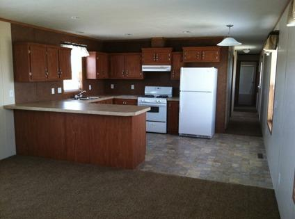 $3,000 5-bedroom 2-bath 2012 mobile home for rent or sale