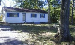 3 bedroom 1 bath small house for sale in the country needs some TLC. call or text for more information 9316391215